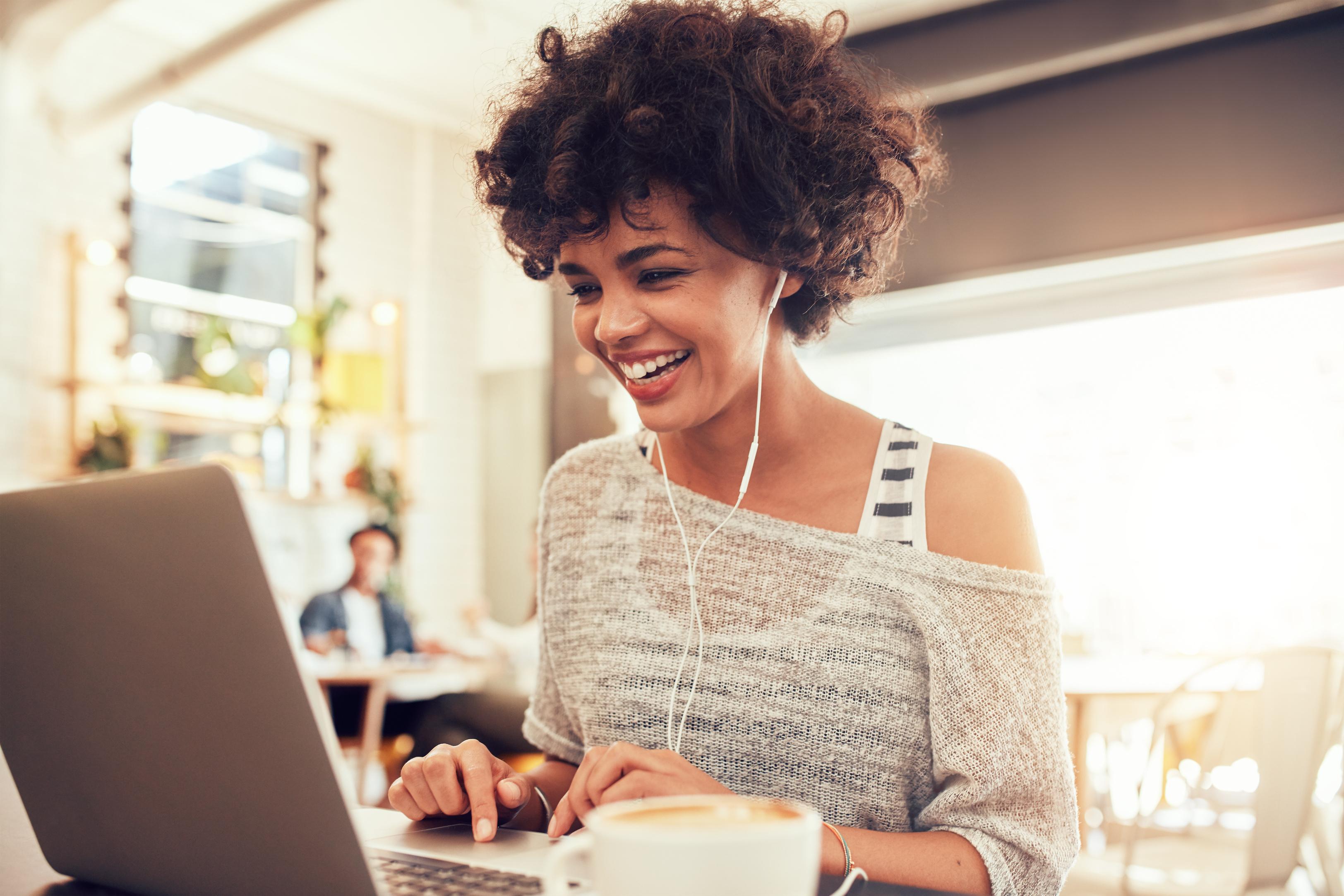 O que a felicidade no trabalho tem a ver com iniciativas de bem-estar