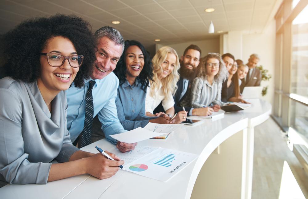 Qual a relação do ambiente de trabalho com a felicidade do colaborador